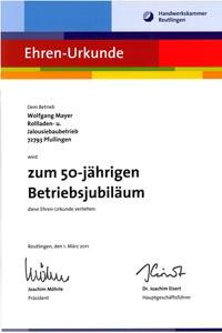 Handwerkskammer Reutlingen überreicht der Firma Mayer Rolladen- & Sonnenschutztechnik Pfullingen eine Ehren-Urkunde zum 50-jährigen Betriebsjubiläum