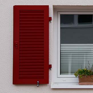 Fensterladen_rot_klein