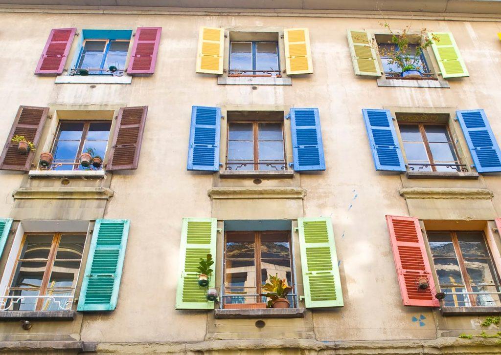 Klappladen Fensterladen und Schiebeladen
