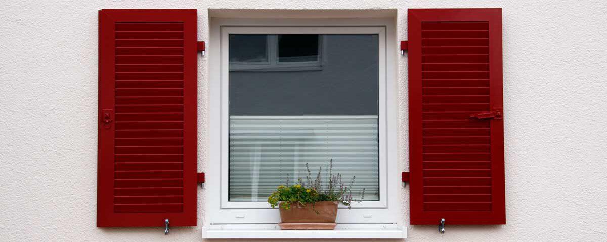 Fensterladen Klappladen